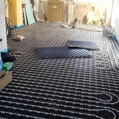 instalación de suelo radiante/refrescante