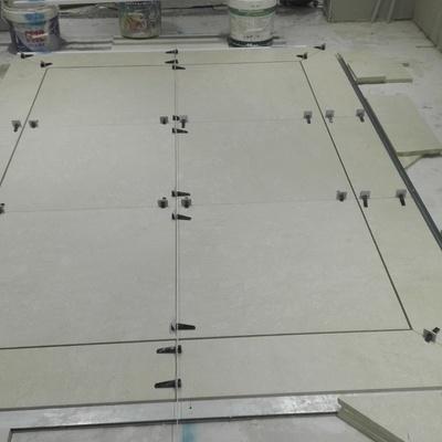 Obra maestra de alfombras simuladas en pavimento de marmol