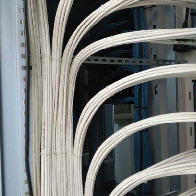 Mazeado de cable de datos .