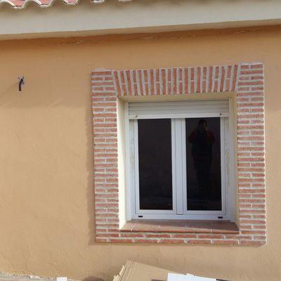 Construcción de sardineles en las ventanas