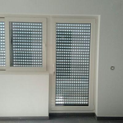 Puerta bandera de PVC