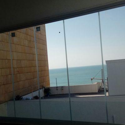 Cortina de cristal instalada en Cádiz.