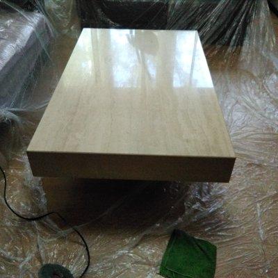 Pulido y abrillantado de mesa de marmol travertino