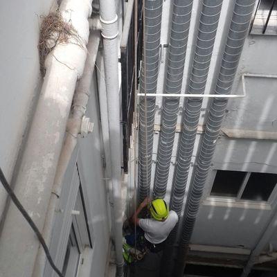 Apoyo vertical a empresa instaladora de maquinaria de frio