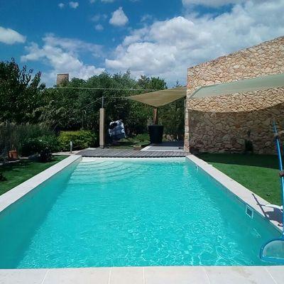 Escalera y piscina  finalizada