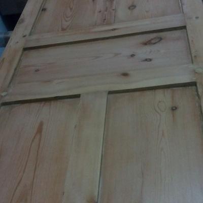 Puerta maciza de pino