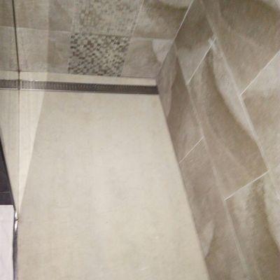 instalación de platos de ducha en las palmas