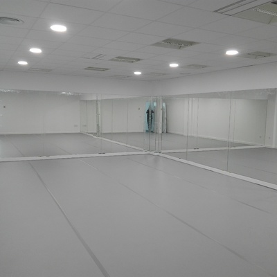 Sala principal Danza con vidrios