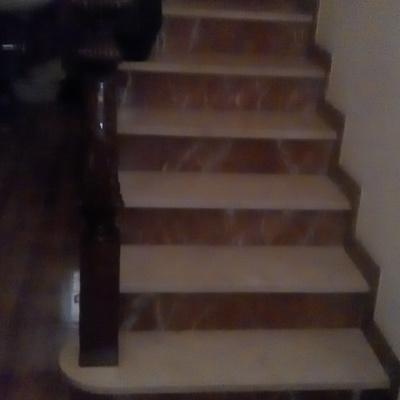 Escalera y baranda.