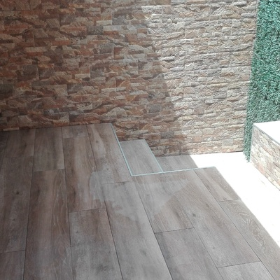 Pavimento porcelánico imitación madera