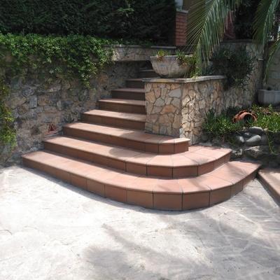 Escalera  Peldaño Greco Gres