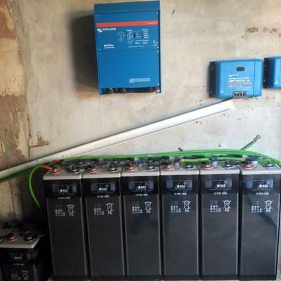 Montaje baterías, inversor y reguladores