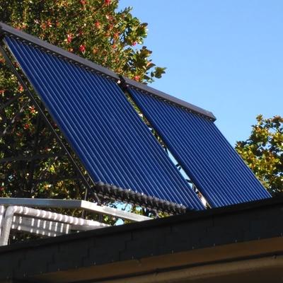 Instalación solar térmica con tubos de vacío