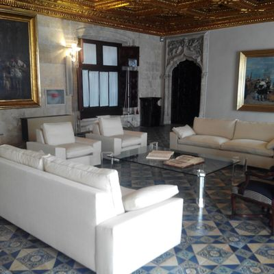 sofás sala recepción