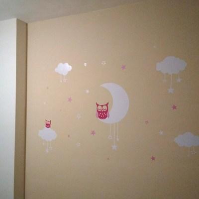 Pintado y decoración con vinilos para habitación infantil