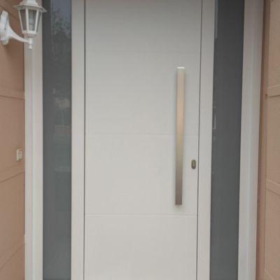 Puerta de Aluminio Hoja oculta