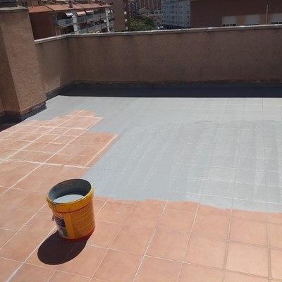 Imprimación impermeabilización tras saneamiento y limpieza
