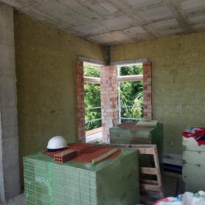Aislamiento térmico y acústico de fachadas.