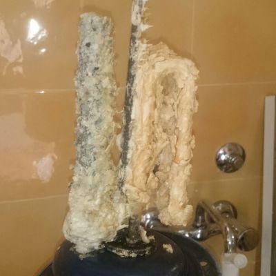Limpieza del calderin de un termo electrico