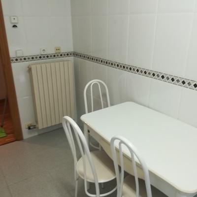 Limpiezas de cocina a fondo mesas y sillas de cocina