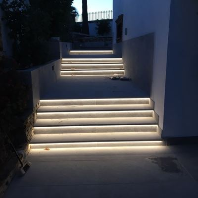 Led en escaleras