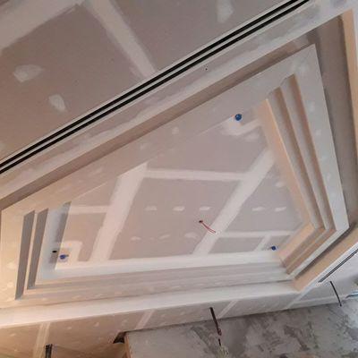 montaje de falso techo de pladur en hotel
