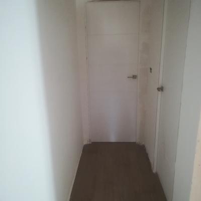 pasillo montar puertas normale y correderas la cocina