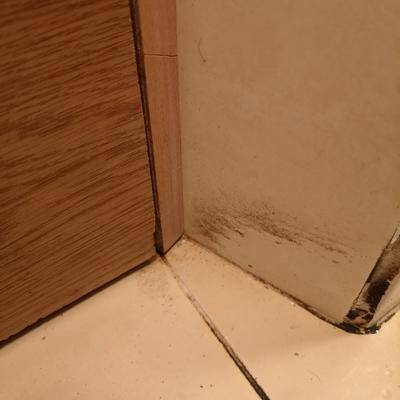 El antes esquinas de baño