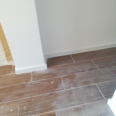 suelo nuevo y la rodapie