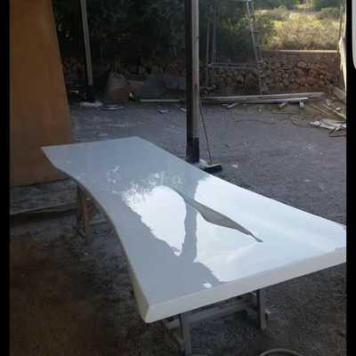Lijado y lacado de mesa