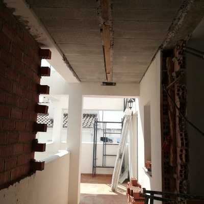 Ampliación de vivienda unifamiliar en Viznar, Granada.