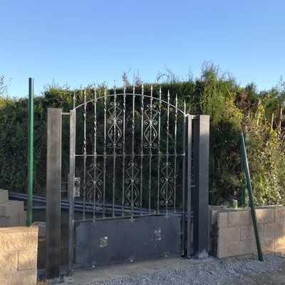 Puertas macizas en hierro forjado