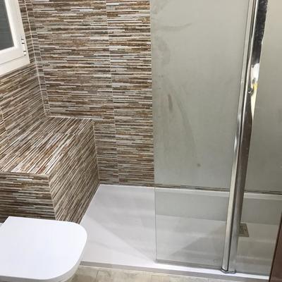 Bañera por plato de ducha con mampara