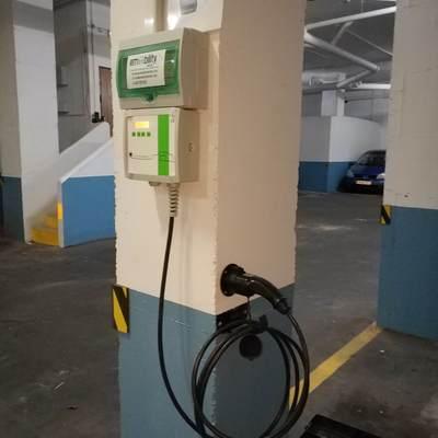 Instalación de estación de recarga de vehículos eléctricos en comunidad de vecinos