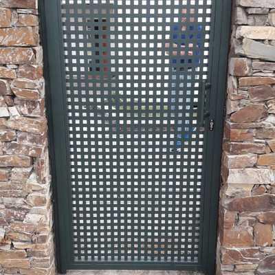 Puerta chapa 20x20