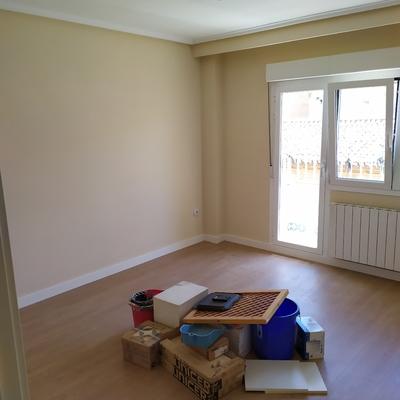 Estucar Rozas en ventanas y pintar toda la vivienda