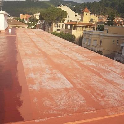 Membrana de poliuretano 100% armada con geotextil.