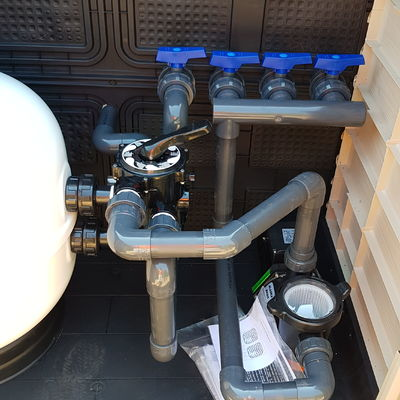 Instalacion y conexion de sistema de depuracion de piscina