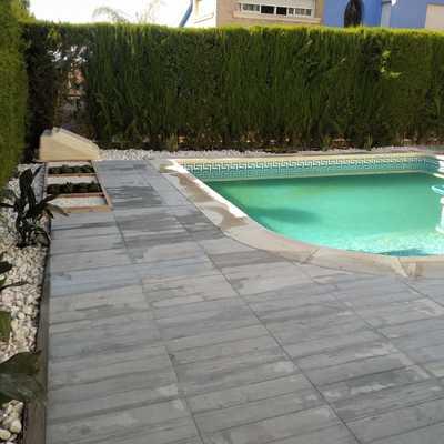 Restauración de  terraza perimetral a piscina