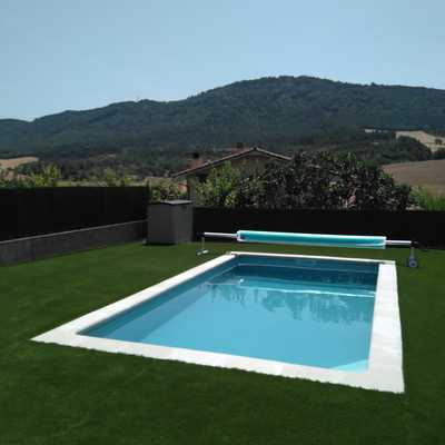 piscina con covertor de verano