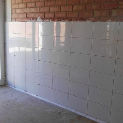 Alicatado pared