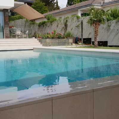 Vivienda unifamiliar con piscina infinity