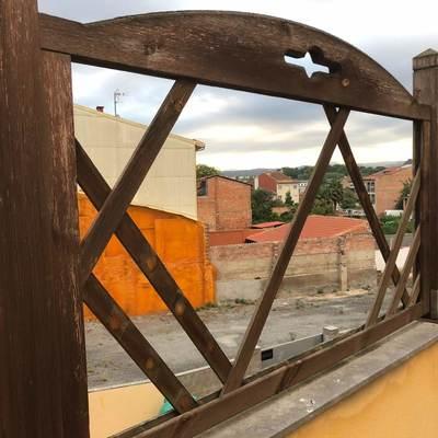 Reparación de baranda afectada por una ventada
