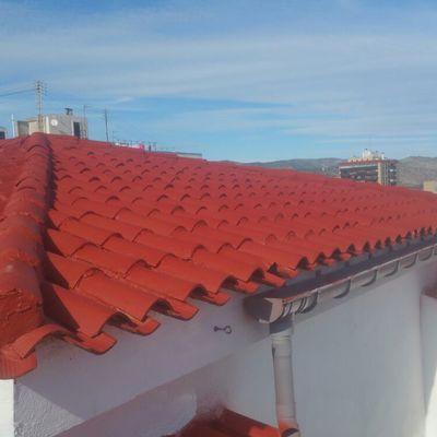 Recuperación de tejado muy antiguo en calle ronda Mijares 35 castellon