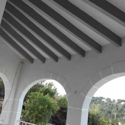 Pintar fachada esmalte biga de madera