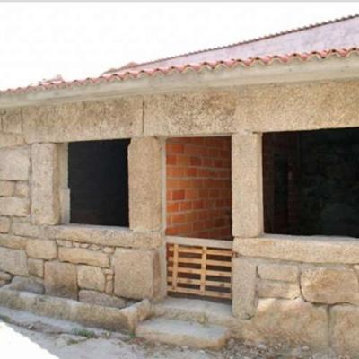 Casa de piedra pequeña