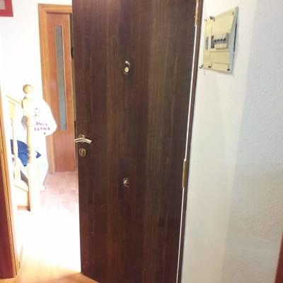 Instalación de puerta acorazada