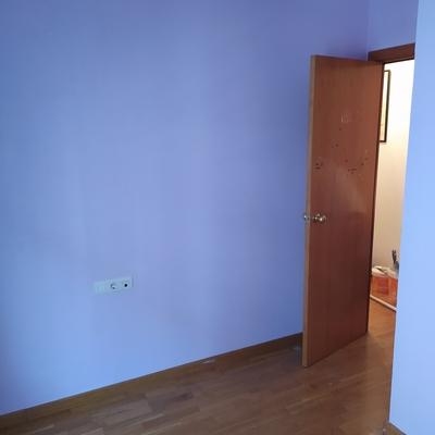 Habitación acabada después de haber quitado el papel