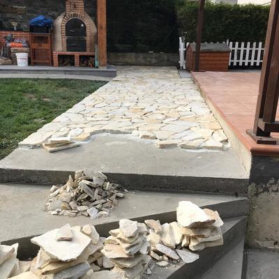 Colocación piedra natural en chalet cabtanbria