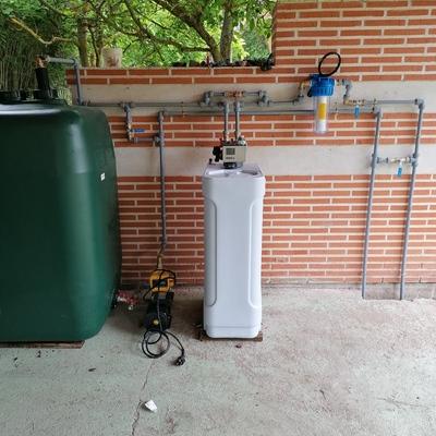 Descalcificador +depósito agua+bomba